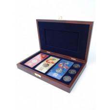 Деревянный футляр (243х156х36 мм) для банкноты в чехле, 3 монет 25 рублей и 3 монет 25 рублей в блистере «Футбол 2018»