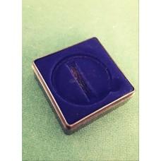 Футляр пластиковый (58х58х22 мм) для одной монеты в капсуле (диаметр 46 мм), чёрно/синий